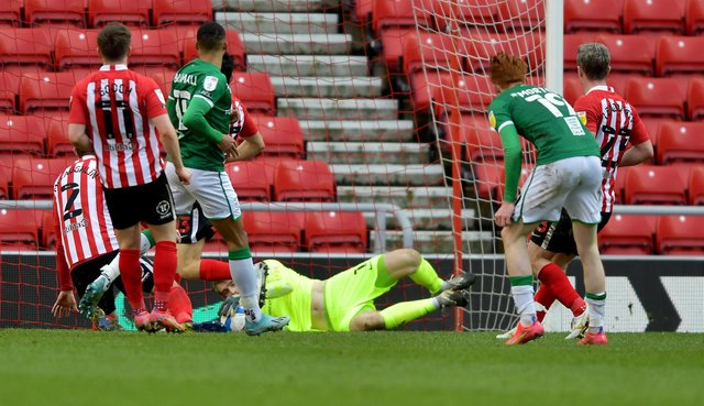 Lee Burge makes a fine save to keep the scores level at the Stadium of Light