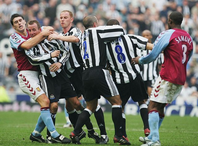 Lee Bowyer and Kieron Dyer.  (Photo by Laurence Griffiths/Getty Images)