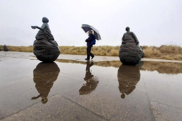 Heavy rain at Littlehaven beach weebles.
