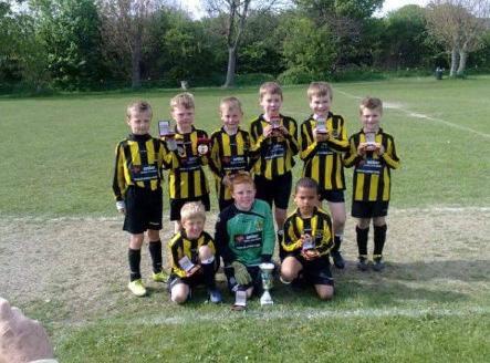 Shola Shoretire pictured with his Hebburn teammates.
