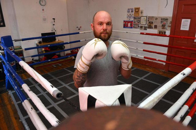 Former professional boxer Sean Hughes is to take on a charity walk for Hebburn Helps and Dementia UK.