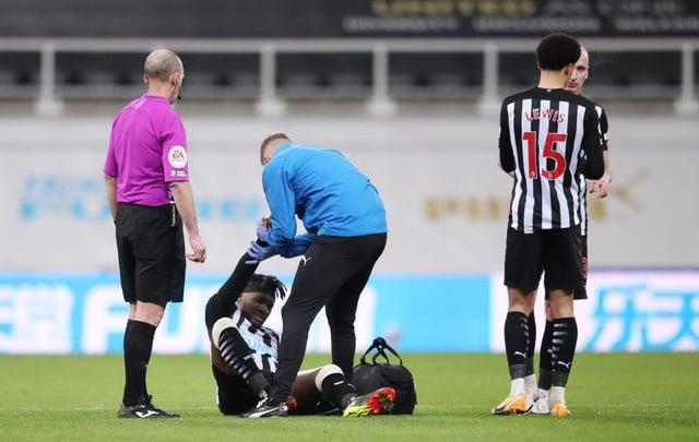 Allan Saint-Maximin receives treatment.