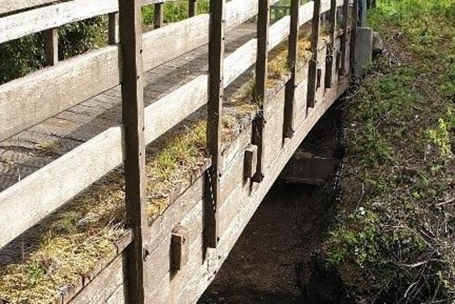 The old Mill Dene View bridge in Jarrow is being replaced.